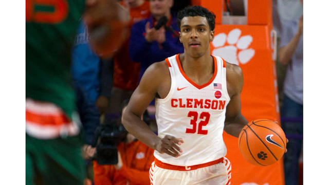 Donte Grantham suffers torn ACL, ending Clemson career