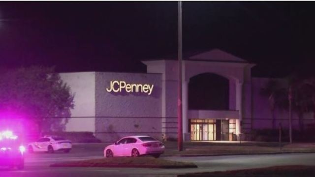 FBI: 2 flares ignited at Florida Mall, not pipe bombs